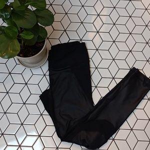 ⭐️BOGO50⭐️ Black Leggings w/ Pockets + Mesh Detail